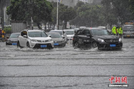 """台风""""艾云尼""""第三次登陆 华南局地暴雨超400毫米"""