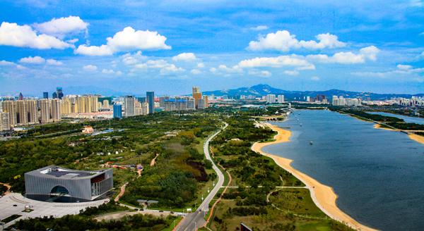 日照:滩涂荒地上崛起海滨新城