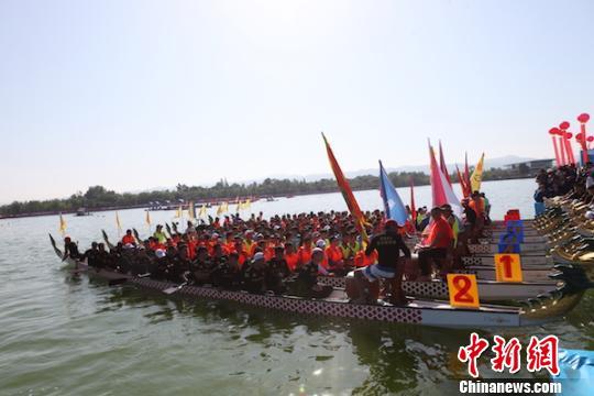 中国龙舟公开赛成都金堂站鸣锣开赛