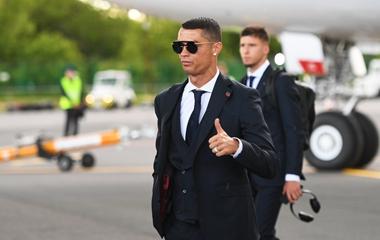 2018俄罗斯世界杯前瞻:葡萄牙队抵达莫斯科 C罗戴墨镜总裁范十足