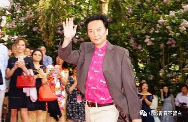 尹大为代表《青春不留白》踏上国际电影节红毯_副本