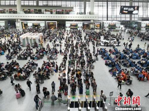 铁总:端午假期全国铁路预计发送旅客4700万人次