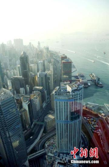 港区委员建议放宽港资企业在内地承包工程限制
