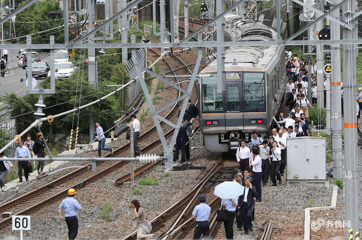 日本发生6.1级地震3死多伤 摇晃长达30秒新干线停驶