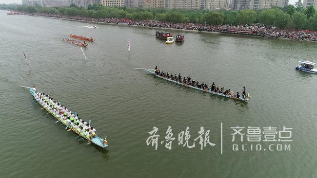 郓城县举办首届端午节龙舟赛活动,万人争睹龙舟风采