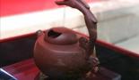 中国工艺美术大师李昌鸿向北大捐赠12把精品紫砂壶
