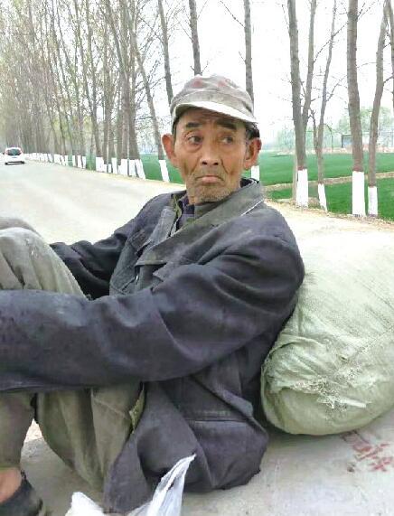 聊城人刘洪太收留聋哑老人近10年 帮他寻亲未果