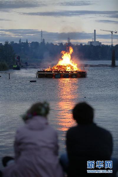 芬兰欢庆仲夏节