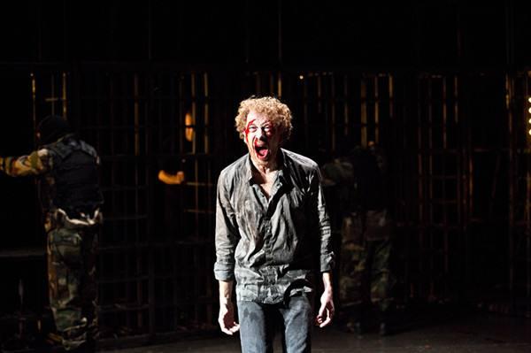 诺贝尔文学奖得主帕慕克小说《雪》被搬上话剧舞台