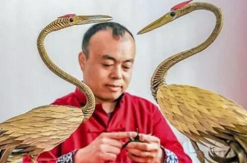 临沂非遗传承人李昕:非遗文化草编 巧手编万物