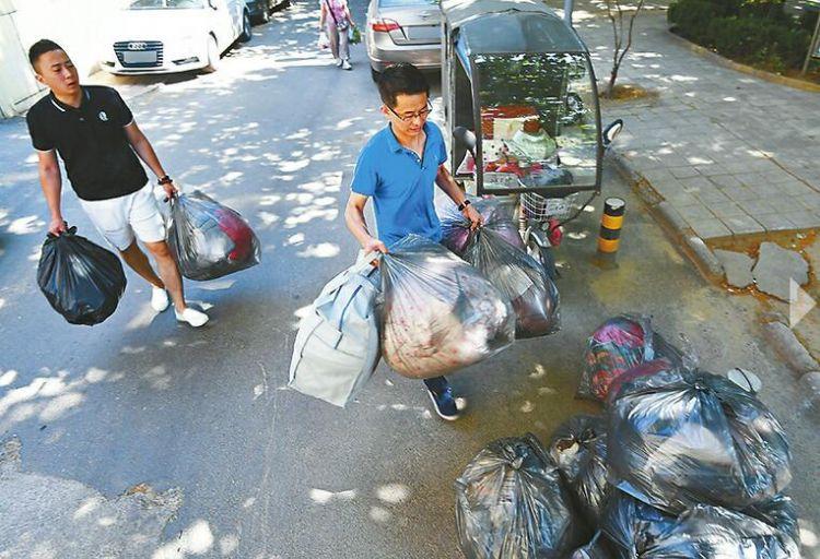 在济南帮人搬家20年!一个搬家工眼中的毕业生变化
