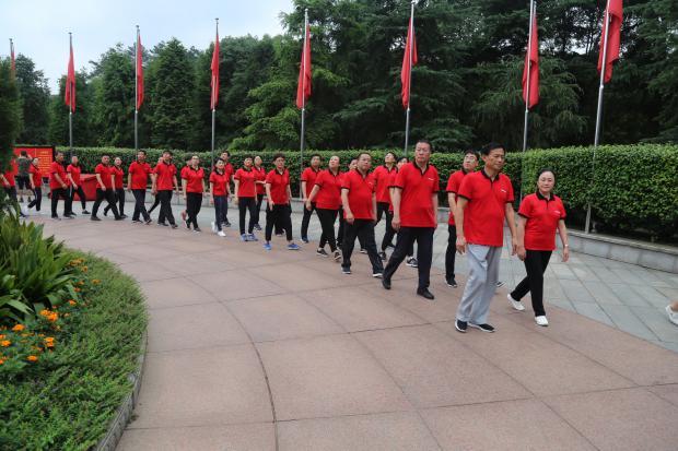 1参观毛泽东广场