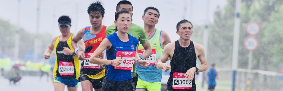给我的快乐特写!一个镜头分享海阳国际马拉松欢乐赛道