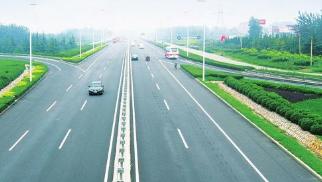 S102济青线道路绿化完成94% 架起周村-临淄南部生态屏障