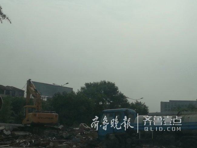 泰安:财源街道一工地施工 扬尘噪音惹人烦