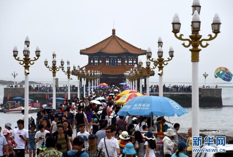 暑期来临 青岛各大景区接待游客量明显增加(图)