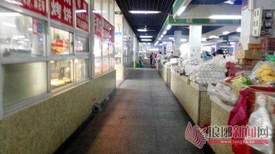 农贸市场环境改善太多 临沂市民买菜停车方便多了