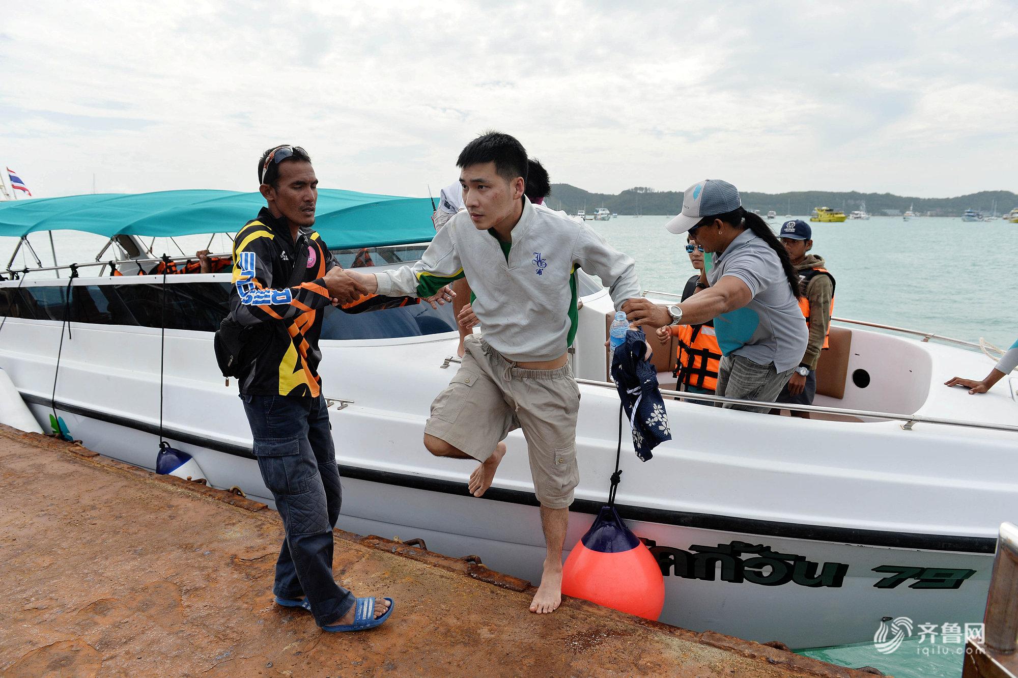 泰国普吉游船倾覆事故 获救中国游客人数上升为78人