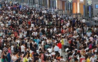 2018中国铁路暑运启动