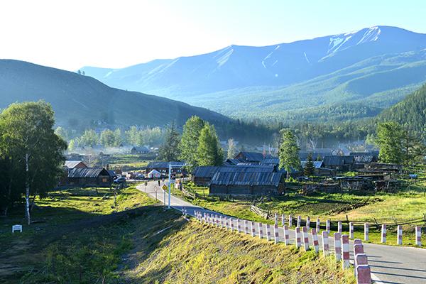 13  清晨的白哈巴村