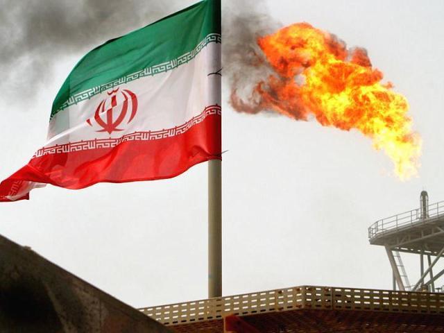"""面对美国绞杀 伊朗誓言""""竭尽所能""""出口石油"""