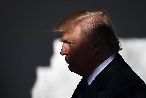 """特朗普访欧发推向北约盟友""""催债""""暗示与普京会晤更轻松"""
