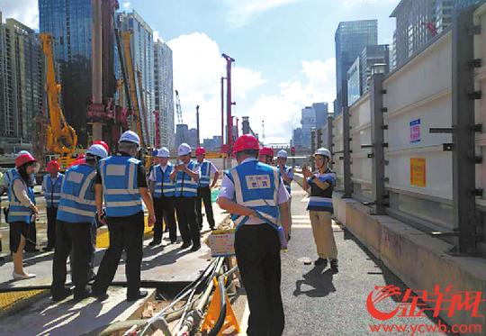 深圳地铁施工3天挖断7条电缆 又挖爆供水主管道