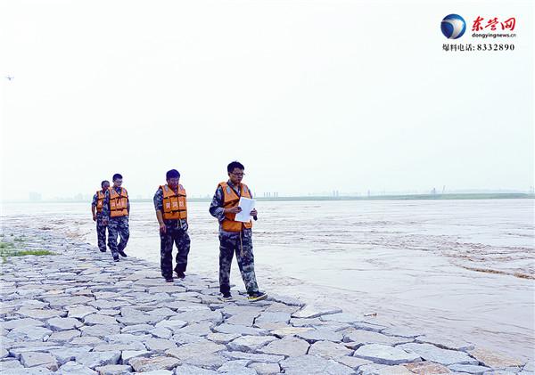 黄河利津段现近年罕见大流量 东营开展洪峰期河势查勘