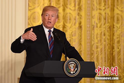 特朗普:北约成员国应提高国防开支 期待与普京会晤