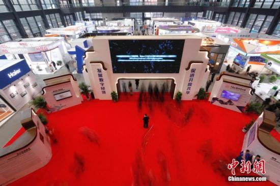 中国网民平均每周上网27小时 多项互联网应用用户数超5亿人