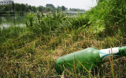 污染空气、垃圾遍地……小湄河边风景带野餐烧烤何时休?