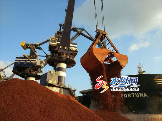 上半年烟台港口货物吞吐量破2.2亿吨 生产形势喜人