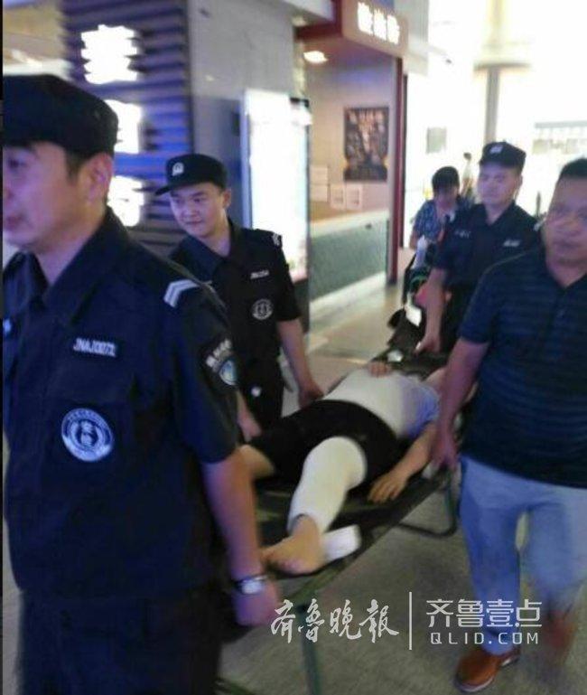 19岁江西女孩患腿病来济手术,工作人员开通绿色通道