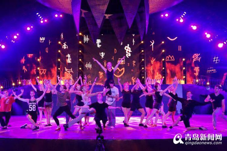 实拍凤凰火舞秀彩排 40国舞者带来震撼体验(视频图)