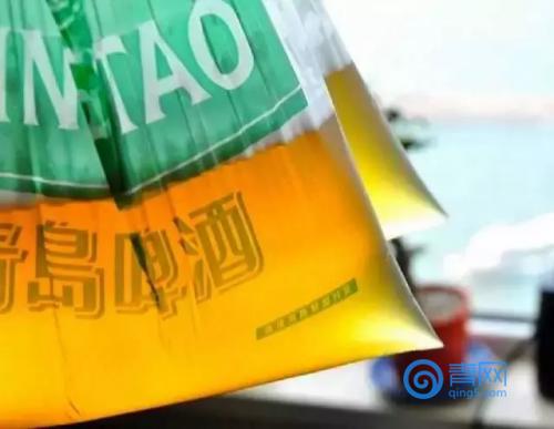 青岛人为什么要把啤酒装进塑料袋里? 终于知道真相了