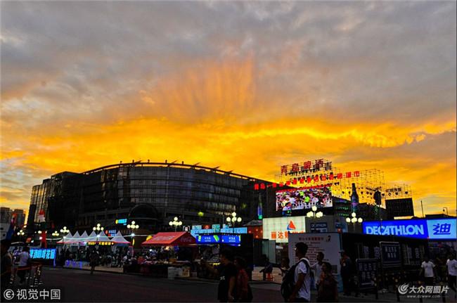 2018年7月22日,青岛,青岛啤酒节崂山区会场外景.