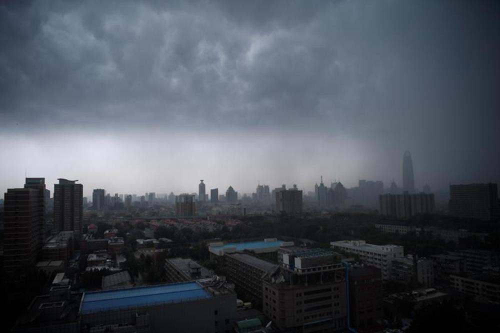 黑云再度压城!济南午后又开启狂风暴雨模式