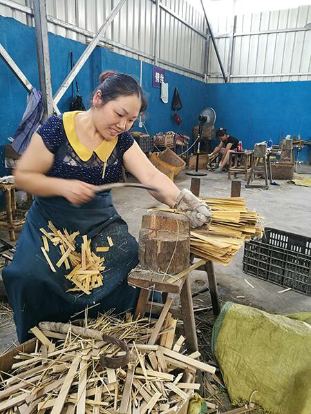 """楠竹啊,你真是那么耐得住寂寞的楠竹吗?――来自""""大江奔流""""一线的采访手记"""