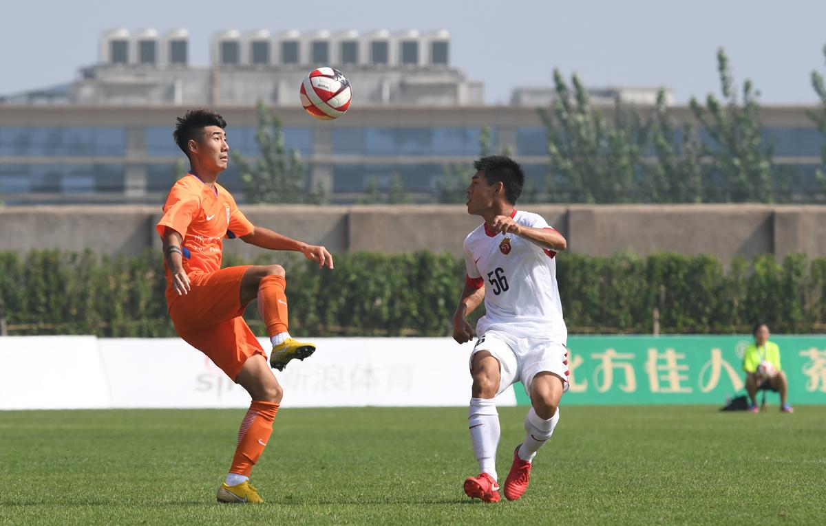 组图:2018潍坊杯鲁能青年军爆发6-1大胜上港