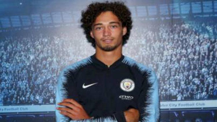 官方:曼城签下荷兰年轻后卫桑德勒