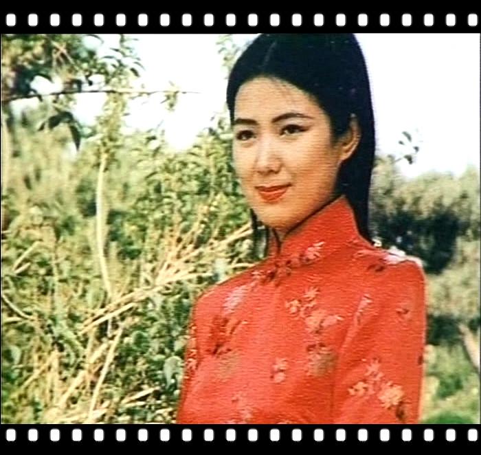 25、中国传统服饰旗袍_副本