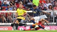热身赛-拜仁1-0力擒曼联 蒂亚戈助马丁内斯头槌制胜