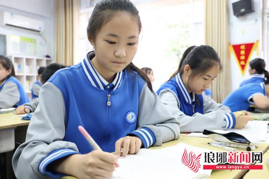 临沂沂州实验学校邵钰婷:古灵精怪的科技小达人