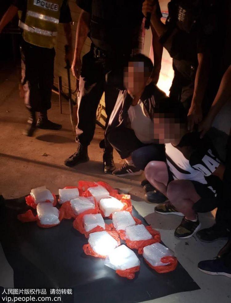 云南怒江警方破获一起特大武装运输毒品案 缴获毒品24千克