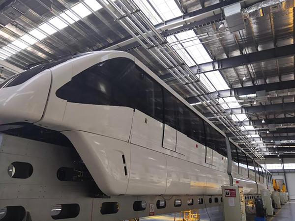 生产线上的单轨机车