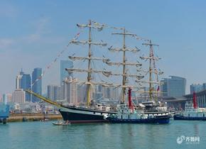 """俄罗斯""""帕拉达""""号大帆船造访 助力青岛国际帆船周·海洋节"""