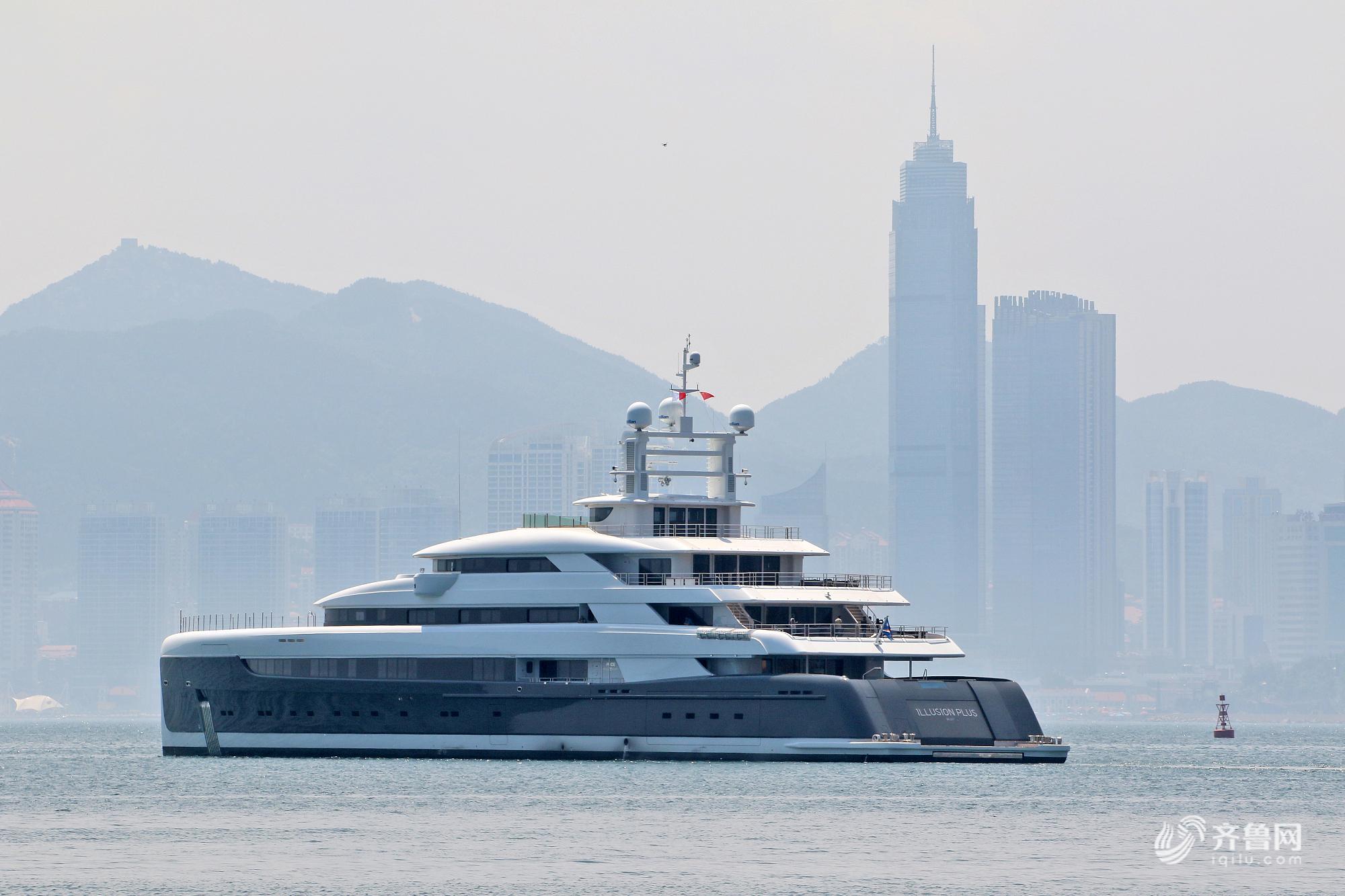 """亚洲最大超级游艇""""幻想号""""启航 从山东烟台驶往摩纳哥"""