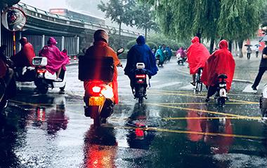 """台风""""摩羯""""来了!济南多处出现暴雨"""
