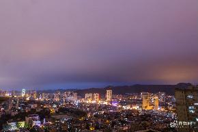 济南雨后天空云量增多 台风吹来绚丽多彩夜景