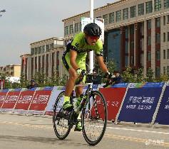 第八届环青海湖大学生公路自行车赛开赛啦!